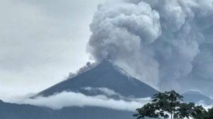 ภูเขาไฟระเบิดในกัวเตมาลา ลาวาทะลักฝังร่างคนทั้งเป็น