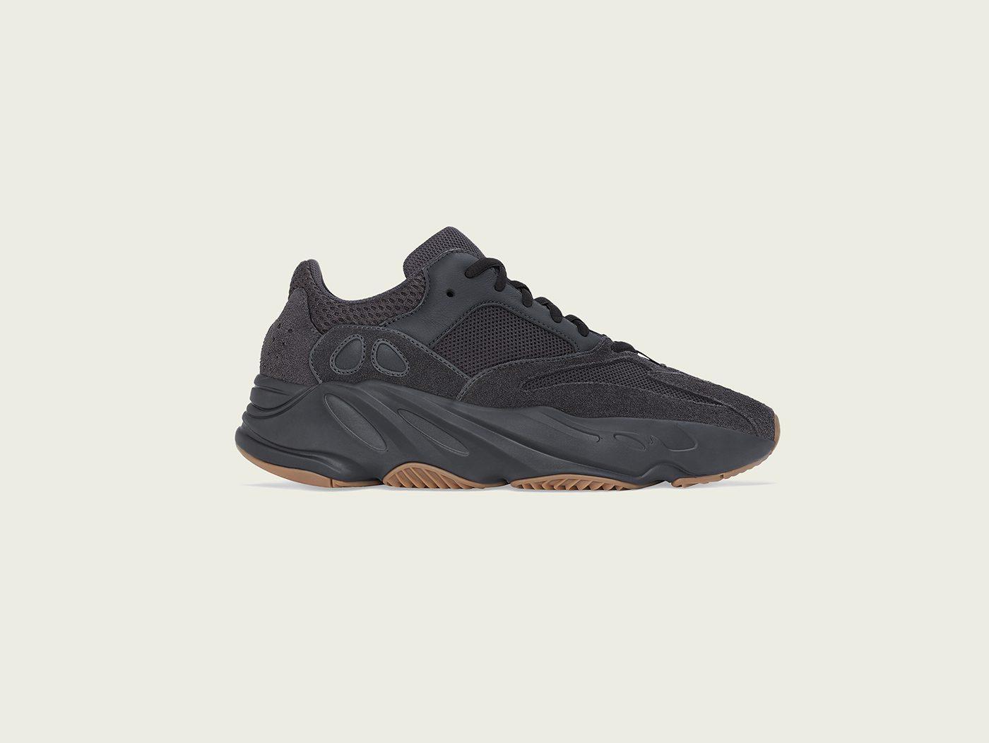 adidas Originals YEEZY BOOST 700 UTILITY BLACK