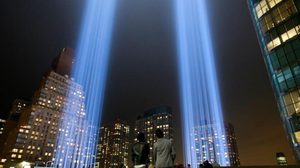 ไฟรำลึก 9/11 ในนิวยอร์ก ส่งผลกระทบต่อนก 160,000 ตัวในแต่ละปี