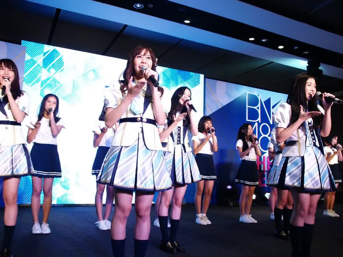"""เปิดตัวอย่างเป็นทางการ กับ """"BNK48 The DEBUT"""" เกิร์ลกรุ๊ปน้องใหม่ทั้ง 29 คน!!!"""