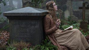 แอล แฟนนิง เป็นนักเขียนสาวชื่อดังก้องโลก ในตัวอย่างแรก Mary Shelley