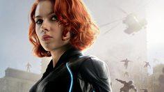 สการ์เล็ตต์ โจแฮนส์สัน ในโปสเตอร์แฟนเมดหนัง Black Widow