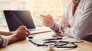 เรียนแพทย์ 6 ปี ต้องเจออะไรบ้าง? ใช้คะแนนอะไรในการสอบเข้า? | มหาวิทยาลัยที่เปิดสอน