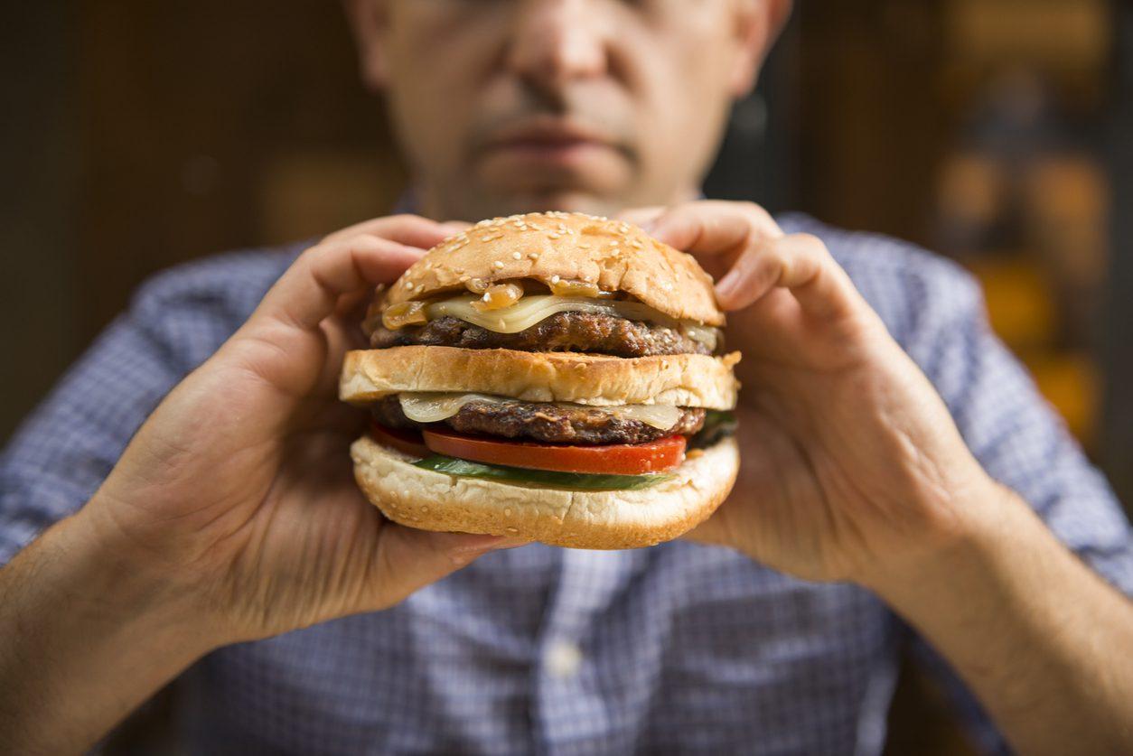 1 ใน 5 คนทั่วโลก เสียชีวิตจากการทานอาหารที่ไม่มีประโยชน์ เสี่ยงตายเร็ว!!
