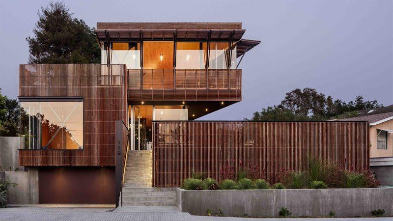 แบบบ้านสามชั้น ขนาด 2พันกว่าตร.ฟุต แนวโมเดิร์นผสมธรรมชาติ