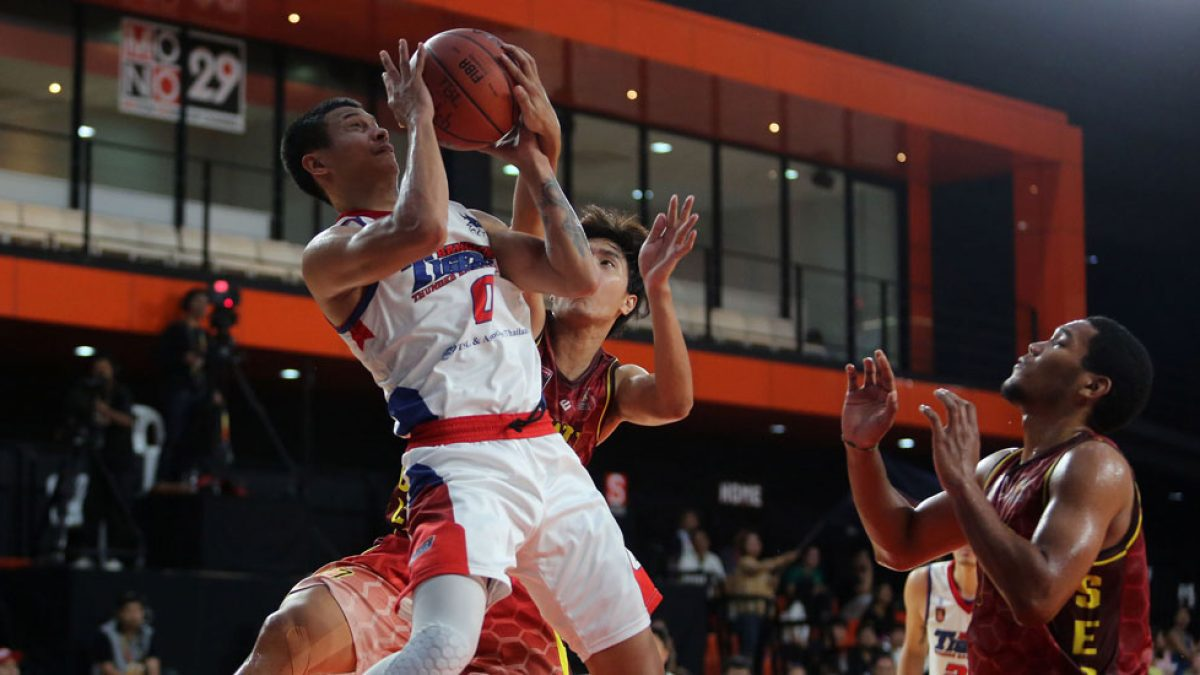 Highlight GSB TBL2018 : Bangkok Tigers Thunder VS SWU Basketball Club  (27 May 2018)