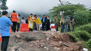เผยแล้วเหตุ ถนนภูทับเบิกทรุด ชี้เป็นชั้นหินดินโคลน 'ภูกระดึง' อุ้มน้ำไม่ดี