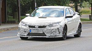 2019 Honda Civic Type R Facelift หลุดลายพลาง เผยให้เห็นกันชนเเละปีกหลัังใหม่