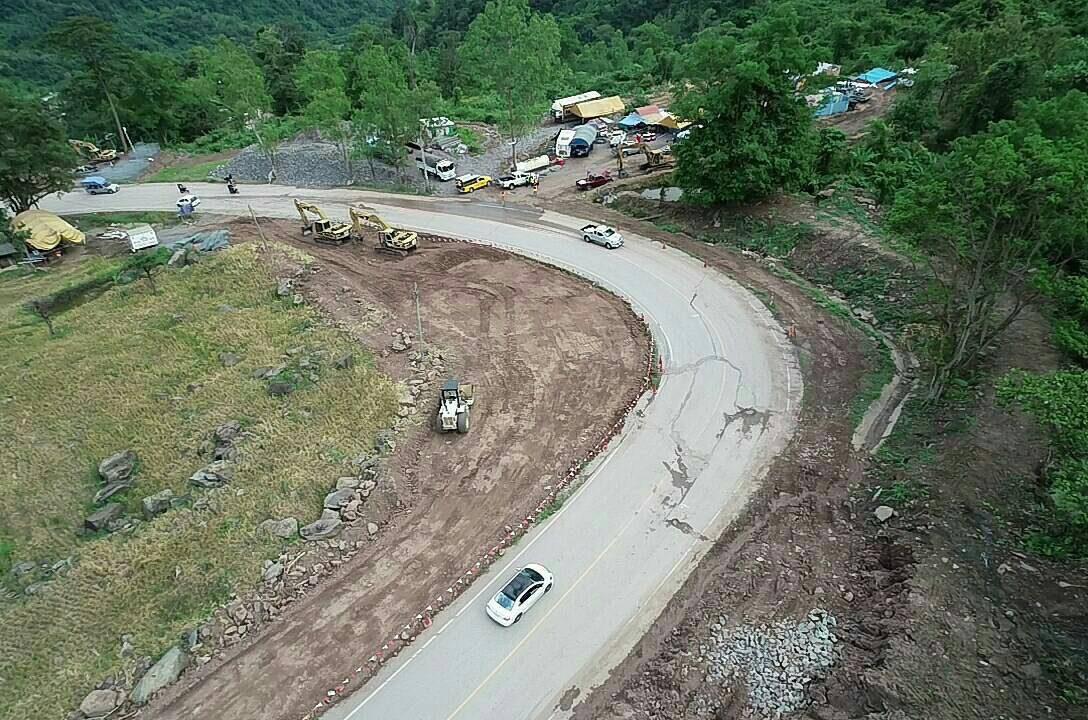 ภาพความคืบหน้า ซ่อมถนนขึ้นภูทับเบิก พร้อมแนะใช้เส้นทางเลี่ยงแทน