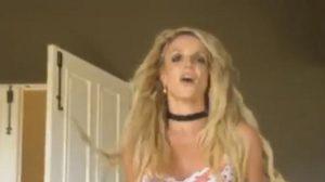 Britney Spears โชว์เต้นแร๊ง-ไม่หวั่นกระดูกลั่น!