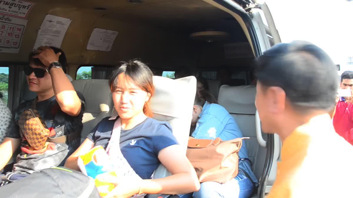 กระแสออเจ้าแรง ผู้ว่าอ่างทองแต่งชุดไทย นำทีมรณรงค์ลดอุบัติเหตุช่วงสงกรานต์