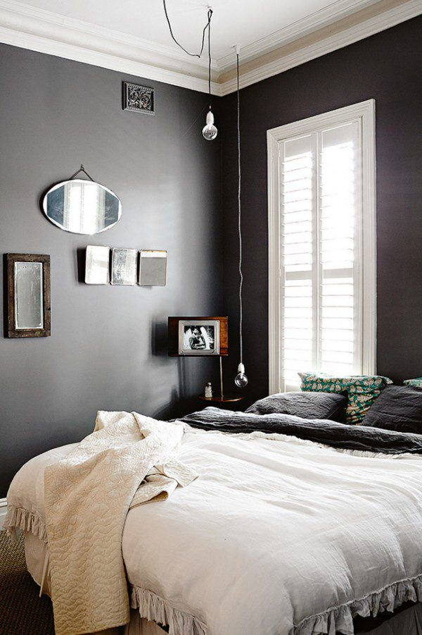 rural-home-with-black-and-white-bedroom