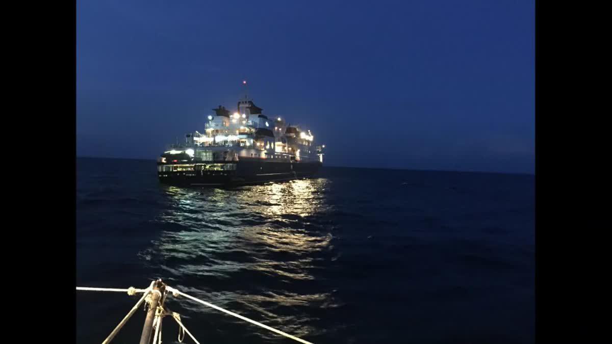เกิดเหตุเรือสำราญ ชนโขดหินที่บิดะนอก ผดส.กว่า 100 คน ปลอดภัย