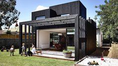 รีโนเวทบ้านสไตล์วิคตอเรียนเป็น บ้านแนวโมเดิร์น แบบบ้านกล่องสุดเท่