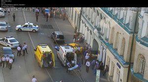 รถแท็กซี่เสียหลักพุ่งชนผู้คนในกรุงมอสโกของรัสเซียเจ็บ 8 คน