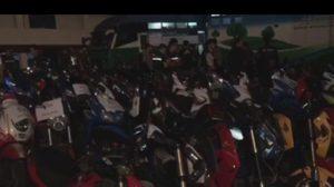ตำรวจสกัดจับเด็กแว้น ปิดถนนวิภาวดี ได้ 92 คน