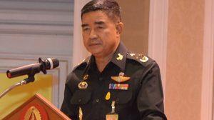 ผบ.ทบ. เชื่อ ทักษิณ – ยิ่งลักษณ์ โผล่สิงคโปร์ไม่โยงชุมนุม 5 พ.ค. ยันไม่ห้ามเพื่อไทยบินหา