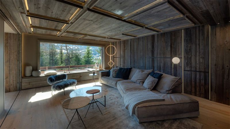 รีโนเวทบ้านเดี่ยว แนวโมเดิร์นด้วยไม้ให้บรรยากาศบ้านอบอุ่น