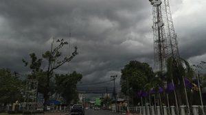 เตือน!! ภาคอีสาน ตะวันออก ฝนฟ้าคะนอง-ลมกระโชกแรง-ลูกเห็บตก บางพื้นที่