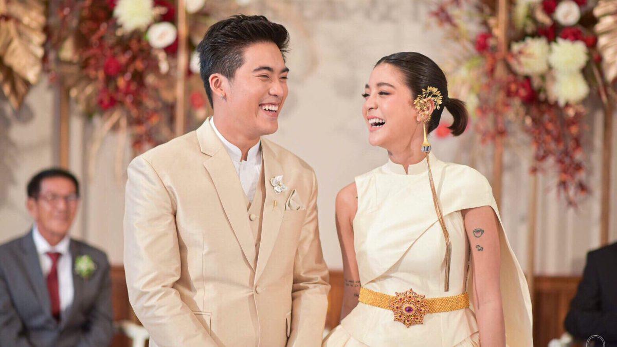 ชุดแต่งงาน สายป่าน อภิญญา ในลุคเจ้าสาวร่วมสมัยชุดไทยในสไตล์กี่เพ้า