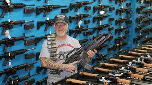 เปิดคลังแสง Mel Bernstein นักสะสมอาวุธสงครามอันดับหนึ่งของอเมริกา
