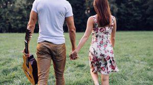 ควร ตัดใจ ดีไหมคะ ทำไมเวลาอยู่ด้วยกัน 2 คน ไม่เห็นเหมือนเวลาอยู่กับเพื่อนเขาเลย