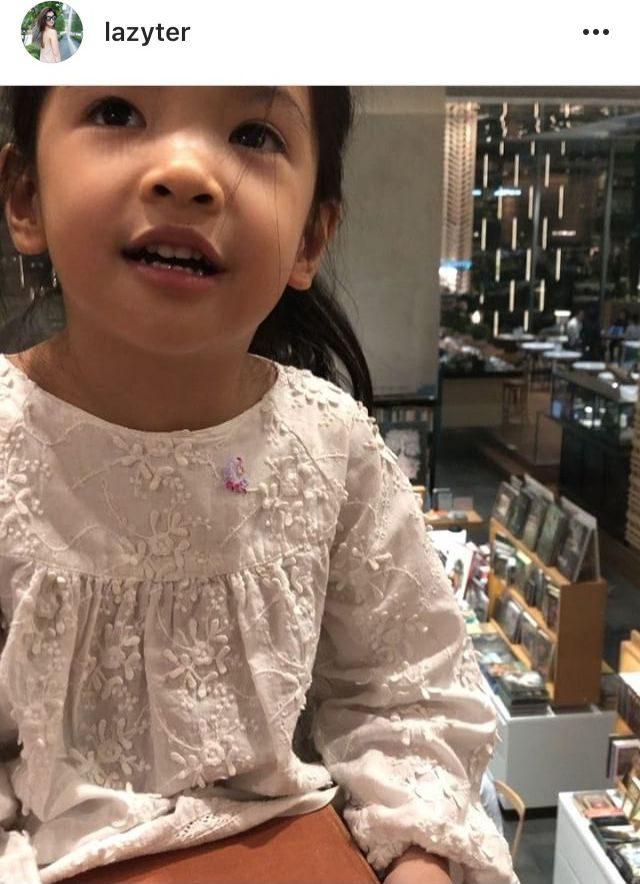 น้องรีนา (ลูกสาวออย-เธอ)