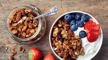 7 ประโยชน์ของโยเกิร์ต ที่ควรกินทุกเช้า มันดีแบบนี้นี่เอง!!