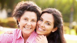 คาถาบูชาแม่ สวดเสริมมงคล ขอพรสิ่งดีให้แม่ตลอดทั้งปี