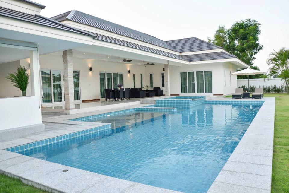 10 บ้านพักพูลวิลล่าที่หัวหิน Glossy House Hua Hin Pool Villa + jacuzzi