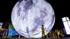 จีนสร้าง 'ดวงจันทร์จำลอง' สว่างกว่าของจริง 8 เท่า เตรียมส่งขึ้นอวกาศในอีก 2 ปี