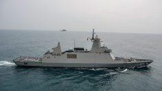 ประชาชนแห่ชมเรือหลวงจักรีนฤเบศรเรือหลวงภูมิพลอดุลยเดชในวันเด็กแห่งชาติ