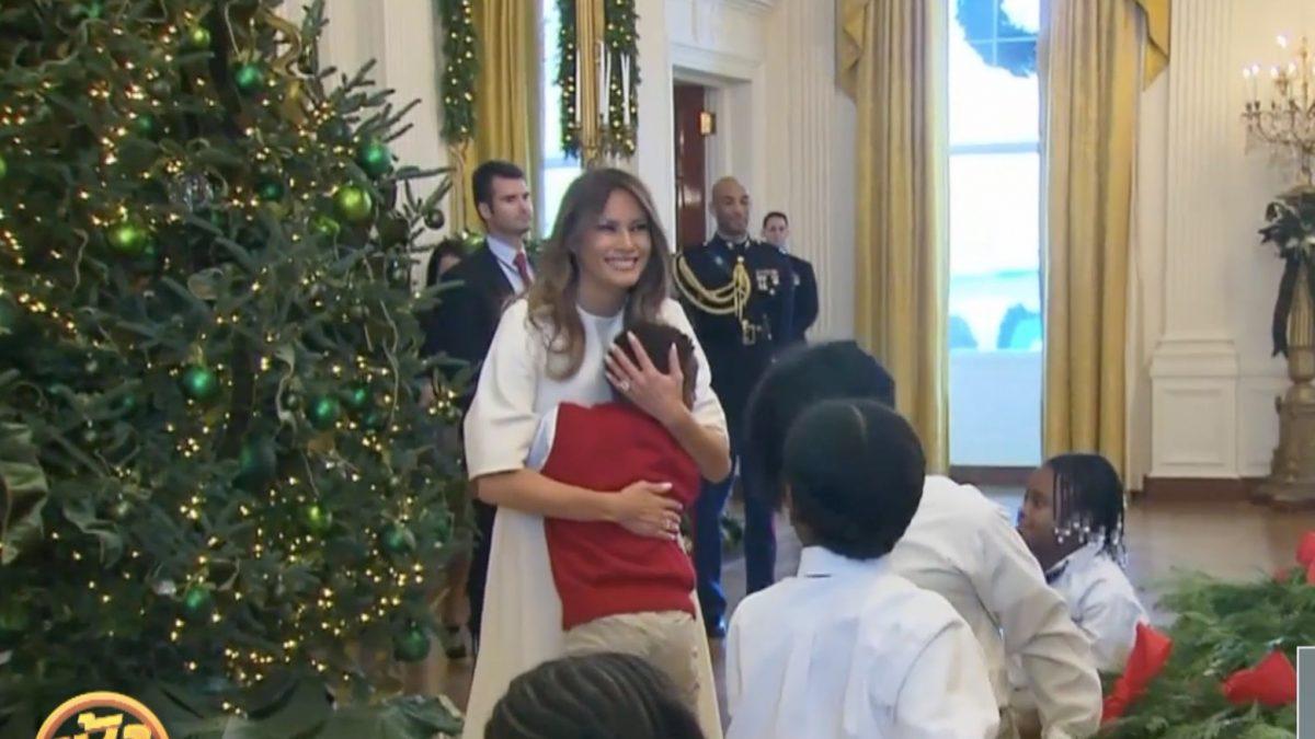 """""""เมลาเนีย ทรัมป์"""" กับคริสต์มาสครั้งแรกที่ทำเนียบขาว"""