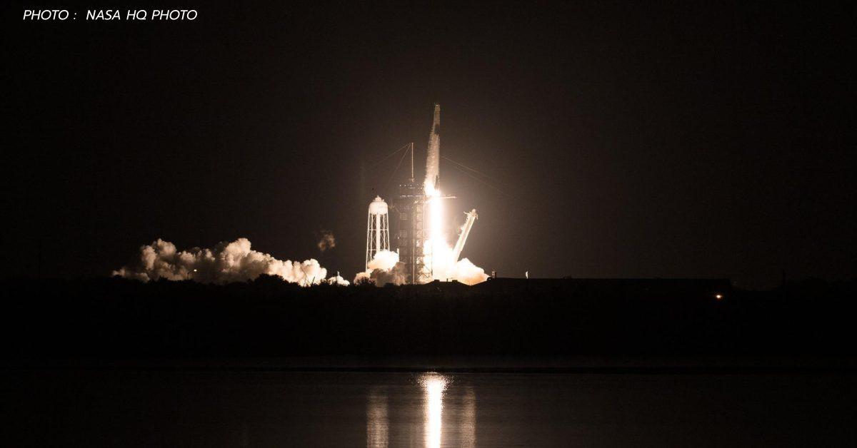สู่ความเวิ้งว้างอันไกลโพ้น! เที่ยวบินแรก Crew-1 ของ NASA และ SpaceX