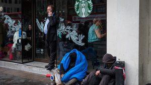 ตบหน้าทรัมป์อย่างจัง Starbucks มีแผนจ้างงานผู้ลี้ภัย 10,000 คน