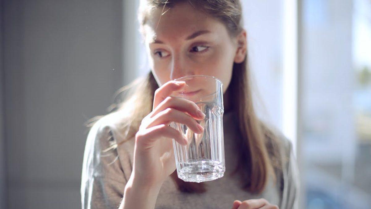 10 สัญญาณเตือน ว่าคุณยัง ดื่มน้ำ ไม่เพียงพอต่อความต้องการของร่างกาย