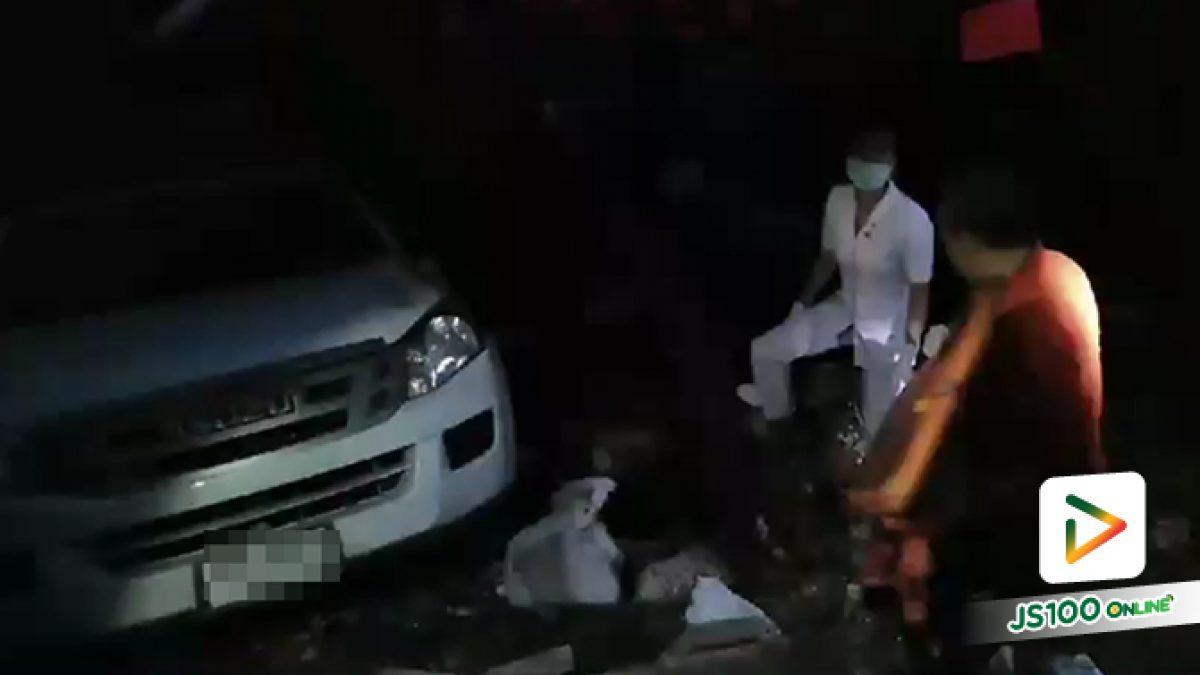 ปิคอัพพุ่งชนคนที่ศาลาที่พักผู้โดยสารริมถนนปทุมฯ-ลาดหลุมแก้ว มีผู้เสียชีวิตและบาดเจ็บระนาว (10-10-61)