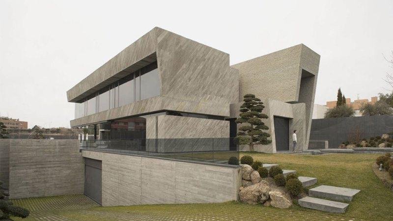 ชม บ้านทรงกล่อง ขนาด 750 ตร.ม.แรงบันดาลใจจากงานประติมากรรม