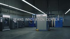 UNIQLO และ Fast Retailing ร่วมกันพัฒนานวัตกรรมการฟอกยีนส์ ช่วยลดภาระต่อสิ่งแวดล้อม
