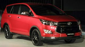 Toyota Innova Crysta รุ่นพิเศษ Touring Sport special edition จะเปิดตัวที่อินเดียในเดือนเมษายน
