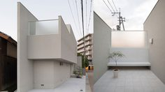 ส่อง บ้านมินิมอล ขนาดเล็กบนพื้นที่รูปสามเหลี่ยมในญี่ปุ่น