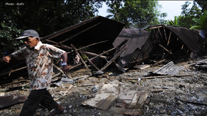 น้ำท่วมฉับพลันในอินโดฯ พัดสะพานถล่ม ดับ 9 เจ็บ 17