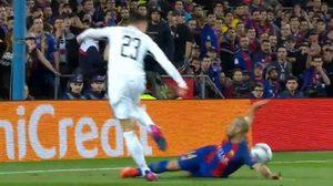 แสดงพลัง! แฟนบอลร่วมลงชื่อทะลุ 2 แสนขอ บาร์เซโลน่า – เปแอสเช แข่งใหม่