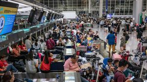 คนไทยในฮ่องกง ทยอยเดินทางกลับ หลังเหตุประท้วงปิดสนามบิน