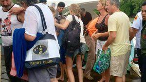 ระทึก!  เรือหางยาวชนกันที่พังงา ทำ นทท. กว่า 20 ชีวิตลอยคอกลางทะเล