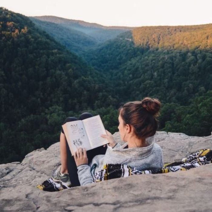 Reading books Perfect For When You Need To Escape This World (36)