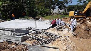 อาคารกำลังก่อสร้างในภูเก็ตพังถล่ม มีผู้เสียชีวิตและบาดเจ็บจำนวนมาก