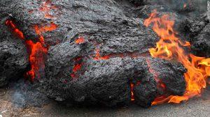 ภูเขาไฟระเบิดที่ฮาวายยังวิกฤต ชาวบ้านอ่วม ลาวาไหลทำลายเสียหายหนัก