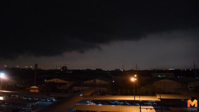 คาด ดีเปรสชั่นบริเวณทะเลจีนใต้จะเป็นพายุโซนร้อน ส่งผลทุกภาคทั่วไทยมีฝนหนัก