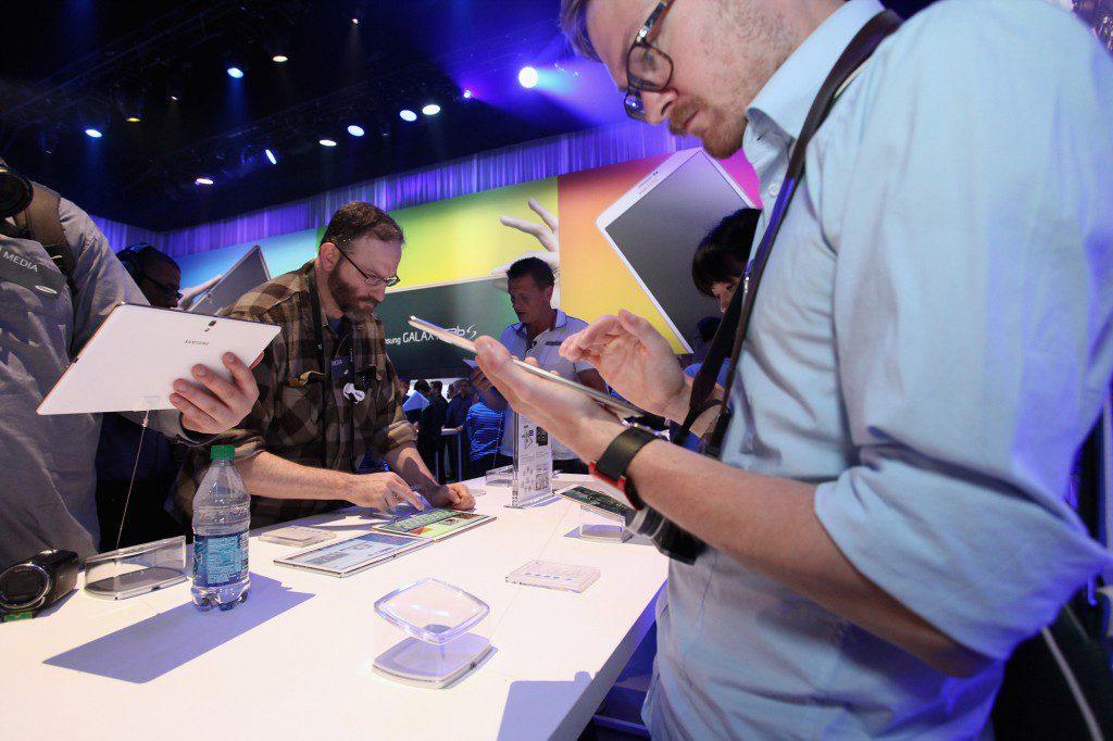 Samsung introduced Galaxy Tab S at Galaxy Premier 2014  (1)